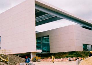 Montaje de Fachadas en GRC Complejo Acuatico